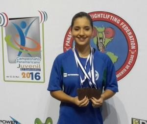 Medalha de bronze no Campeonato Pan-americano Júnior, em abril, Emily Rosa disputa o Campeonato Mundial, este mês, na Geórgia