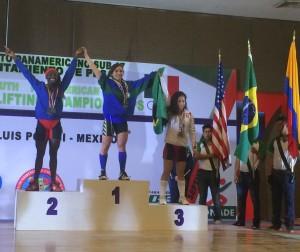 Luana Madeira, medalha de ouro no Pan Sub 17