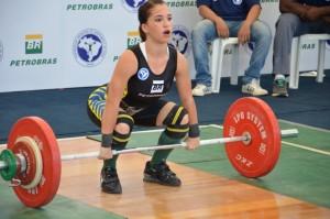Emily Figueiredo, medalha de bronze no Mundial Sub 17, em 2015, disputa o Brasileiro Sub 20