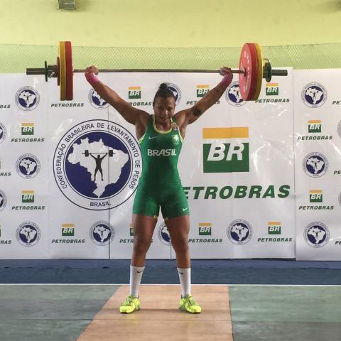 Monique Araújo é uma das oito integrantes da Seleção Brasileira Feminina no Sul-americano