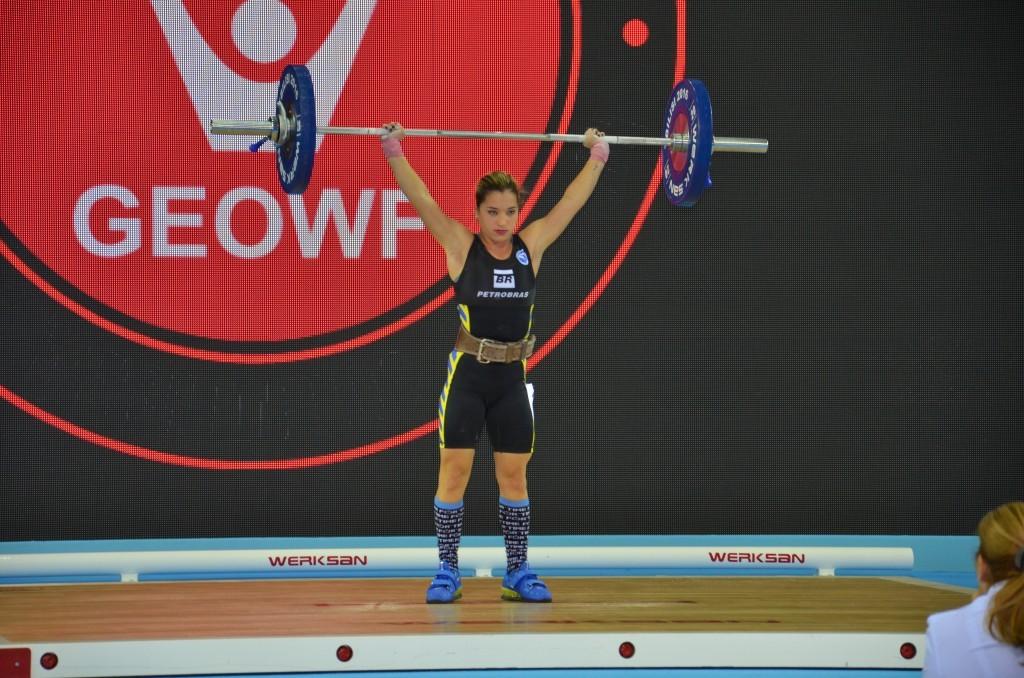 Emily Figueiredo representou o Brasil no Mundial Júnior, na Geórgia. Foto: Divulgação CBLP.