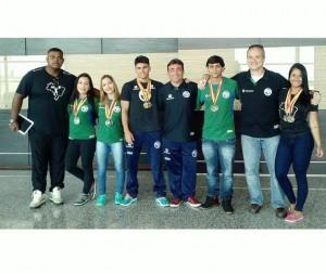 Equipe com técnicos Sul-americano Sub 20 - 2016